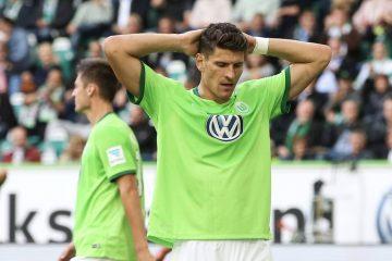 Mario Gomez VfL Wolfsburg 1 Fuflball Bundesliga Punktspiel Saison 2016 2017 VfL Wolfsburg vs FS