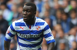READING, ENGLAND - AUGUST 17: Royston Drenthe of Reading attacks during the Sky Bet Championship match between Reading v Watford at The Madejski Stadium on August 17, 2013 in Reading, England. (Photo by Charlie Crowhurst/Getty Images)