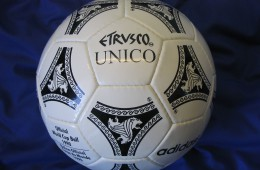 replica-adidas-etrusco-unico-fifa-world-cup-1990-italy-official-match-ball-football-1381600594