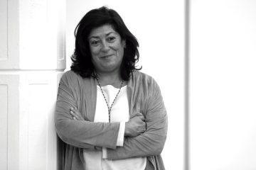 """GRA225. MADRID, 05/11/2015.- La escritora Almudena Grandes durante una entrevista con Efe sobre su nueva novela, """"Los besos en el pan"""", con la que ha hecho un alto en su proyecto """"Episodios de una guerra Interminable"""" y en la que pone la mirada en las consecuencias de la crisis en la vida cotidiana, en la solidaridad, la crisis y la rabia. EFE/Chema Moya"""