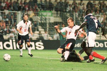 Gol de Shearer ante Francia