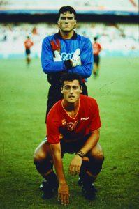 Toni y Kiko, portero menos goleado y máximo anotador del torneo masculino de fútbol de Barcelona'92. Dos figuras capitales para entender el oro de la selección española.