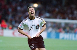 Olivier-Bierhoff-celebrates-his-golden-goal